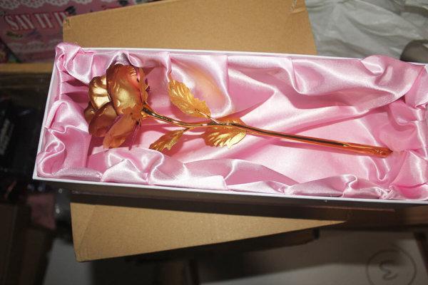 Golded Rose with stem VizagShop.com
